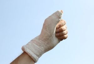 Broken thumb injuries compensation guide